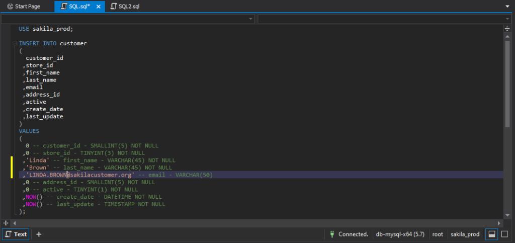 在dbForge Studio for MySQL中的SQL代码编辑器中自动生成的INSERT脚本