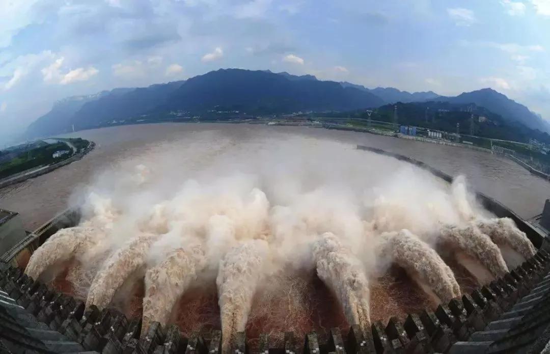 如何用SOLIDWORKS测出三峡大坝的泄洪量 | 操作视频